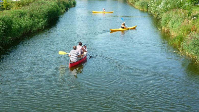 Kanu fahren im Ferienpark