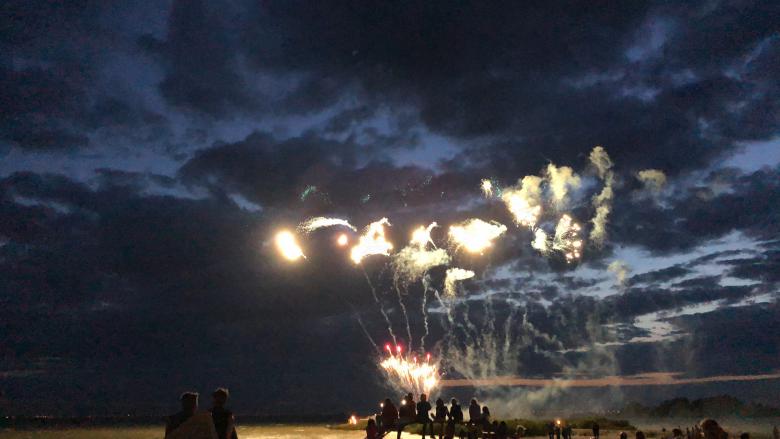 Feuerwerk Makkum Beach Ferienhaus am IJsselmeer Schakelvilla