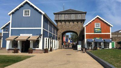 Batavia Stad - Fashion Outlet weiterer Eingang - Schakelvilla Ferienhaus für die ganze Familie am IJsselmeer