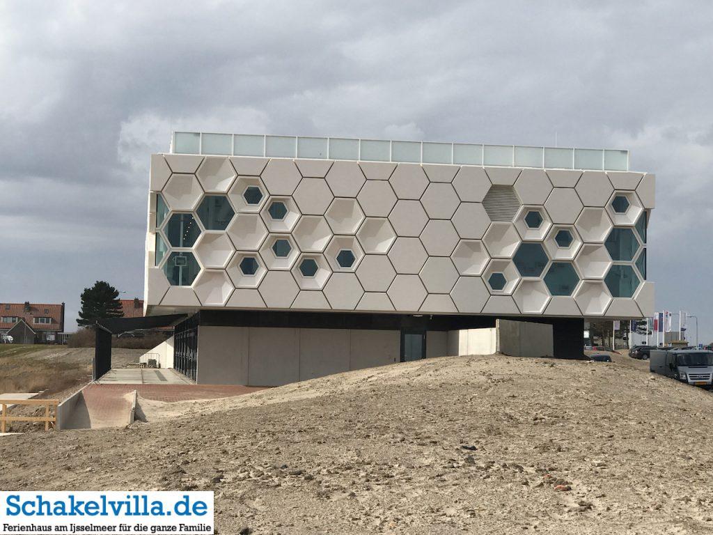 Das Wadden Center am Abschlussdeich - Schakelvilla Ferienhaus für Familien am IJsselmeer in Makkum